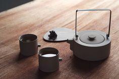 Round Square Teaware Set by Chuntso Liu