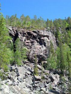 Korouoma cliffs. Photo by janiylinampa