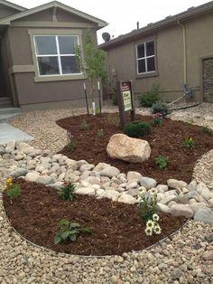 Low Maintenance Front Yard Landscaping   Front yard desert landscape on