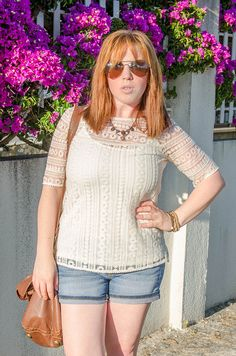 Woman style, massimo dutty, outfit, moda, fashion ▶ http://www.mvesblog.com/2014/07/top-guipur.html