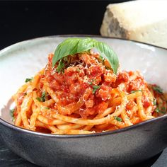 Amatriciana tomato sauce with crisp, golden guanciale is tossed with bucatini pasta in this quick and easy authentic Italian dish for two. Pasta Recipes, Cooking Recipes, Recipe Pasta, Cleaning Recipes, Noodle Recipes, Shrimp Recipes, Diet Recipes, Dinner Ideas, Food Photography