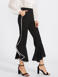 Capris Elastic Waist. Flare Leg Decorated with Ruffle Hem. High Waist. Plain design. Trend of Spring-2018, Fall-2018. Designed in Black. Fabric is very stretchy.