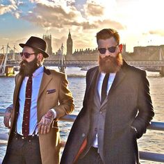 Best DIY Beard Oil. Grow a beard like a gentleman. Like stylish bearded guys in London do.