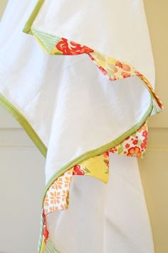 Hand towel how to but I think this edging would look cute on so many things.
