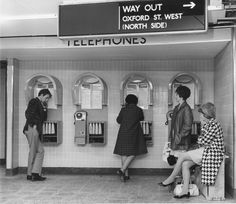 1968: Station telephones. | 31 Gorgeous Photos Of The London Underground In The '50s And '60s