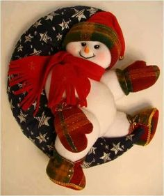 Feltro Christmas Projects, Christmas Wreaths, Christmas Decorations, Xmas, Christmas Ornaments, Holiday Decor, Snowman Crafts, Felt Crafts, Crafts To Make