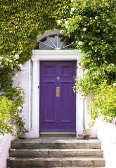 2018 pantone color of the year, pantone color of the year 2018, white home front porch with dark purple door, pantone ultra violet, bright purple, dark purple, violet