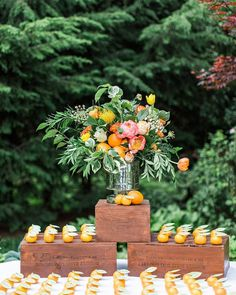 Clementines as escort cards #weddingreception #weddingideas