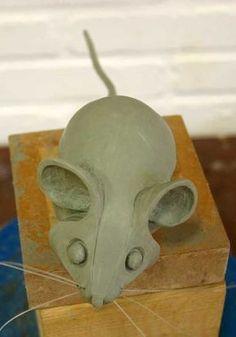 Pottery Sculpture, Sculpture Clay, Pottery Art, Ceramics Projects, Clay Projects, Clay Crafts, Pottery Animals, Ceramic Animals, Pottery Handbuilding