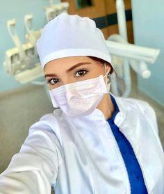 Nursing Online, Beautiful Nurse, Community Nursing, Night Nurse, Sexy Nurse, Female Doctor, Nurse Practitioner, Nurse Life, Nurse Humor