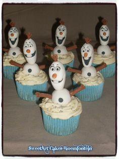Cupcake Toppers, Cupcake Cakes, Olaf Cupcakes, Frozen Cake, Fondant, Icing, Cake Decorating, 3d, Facebook
