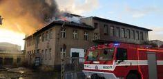 V Klatovech hořela bývalá mlékárna. Obývají ji bezdomovci