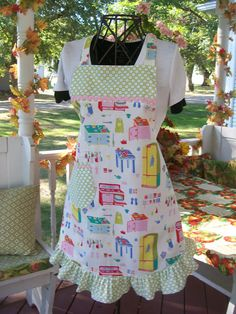 Gorgeous in the Retro Fifties Designer by DianneDesignerAprons, $29.95