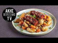 Λουκάνικα με πατάτες στον φούρνο από τον Άκη Πετρετζίκη. Φτιάξτε ένα νόστιμο κυρίως γεύμα με λουκάνικα στον φούρνο! Το απόλυτο street food. Kung Pao Chicken, Street Food, Sausage, Meat, Ethnic Recipes, Youtube, Lifestyle, Sausages, Youtubers