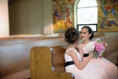 Si Creative Photography - Houston Wedding Photographer bride and groom, bridesmaids, wedding venue, Houston Oaks, wedding tables, wedding centerpieces, sweetheart table, flower girls