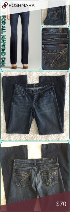 Beautiful 7 FAMK Chain Style DOJO's 💖 Beautiful 7 FAMK Chain Style DOJO! These are in excellent condition pictures don't do it justice! Beautiful sparkling 7 pockets u can see a little on picture. Sz 28x32 if hem undone can be at least 33 in length.  Don't pass these up you won't be disappointed 💘💘😍 Jeans Flare & Wide Leg