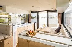Seafaring 44 Coupé - Jachten - Seafaring Yachts Seafarer, Super Yachts, Motor Yacht, Motor Boats, Luxury Yachts, Sliding Doors, Contemporary Design, Living Spaces, Interior