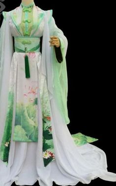 Green Lotus Chinese Traditional High Collar Empress Clothing Complete Set: