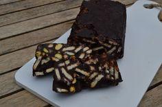 Arretjescake, een heerlijke chocoladecake die je niet hoeft te bakken. Om gezellig met of voor de kinderen te maken tijdens de vakantie of voor feestdagen.