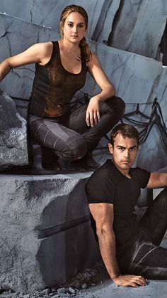 Theo James and Shailene Woodley Divergente Divergent Hunger Games, Divergent Fandom, Divergent Insurgent Allegiant, Divergent Trilogy, Divergent Jokes, Veronica Roth, Theo James, Film D'action, Film Serie