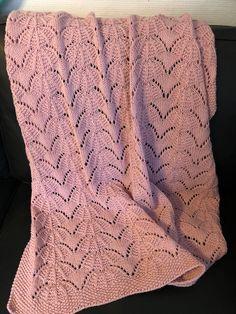 Strikket på pind 4. Crochet Fashion, Blanket, Diy, Velvet, Bricolage, Do It Yourself, Blankets, Cover, Comforters