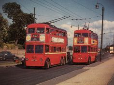 London trolleybuses 713 and H, 762 on route 607 travel along Uxbridge road in around Road Transport, London Transport, Public Transport, Vintage London, Old London, West London, London History, Tudor History, British History