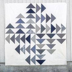 Four Winds Quilt Pattern - Patchwork & Quilting at Makerist Small Quilts, Mini Quilts, Bright Quilts, Two Color Quilts, White Quilts, Patchwork Vol D'oie, Patchwork Fabric, Crazy Patchwork, Quilting Projects
