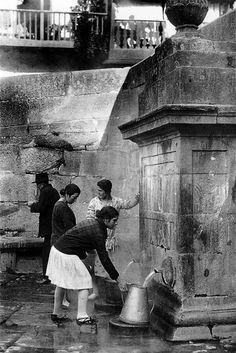 """As Burgas, Ourense Fermosa foto, imaxe de cómo o termalismo foi patrimonio da xente na historia de Ourense, non un privilexio das clases """"de balneario"""". LOVELY"""