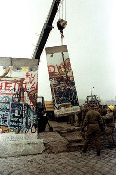 Celebrate the anniversary of the fall of the Berlin Wall – Nov. 9 – with this selection of moving photos from that historic night and the days directly after. Lower Manhattan, Berlin S Bahn, Fall Of Berlin Wall, Monuments, Ddr Brd, Skyline Von New York, Berlin Photography, Visit Berlin, Art Mur