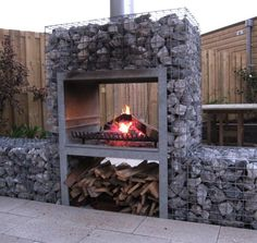 40 Gorgeous Farmhouse Privacy Fence for Backyard Garden Bbq Ideas, Garden Projects, Home Projects, Outdoor Fire, Outdoor Areas, Outdoor Living, Outdoor Decor, Fire Pit Bbq, Gabion Wall