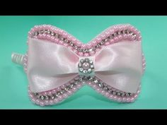Are always welcome to our channel ! I love everything that involves crafts, so I decided to create the channel and videos to make yourself sharing the thin. Hair Ribbons, Ribbon Hair, Hair Bows, Baby Tiara, Hair Bow Tutorial, Handmade Hair Accessories, Ribbon Work, Jewelry Stand, Girls Bows