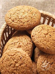Preparate i vostri Biscotti della salute alla farina d'avena anche per i vostri amici e regalateli ben confezionati in scatole di latta!