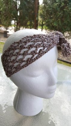Spring is here! And the warm weather mixed with mild humidity means its headband time! The Spring Fling Headband is great, because you can u...