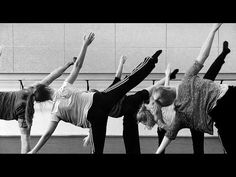 Contemporary dance class floor work - by Lorenzo koppenaal Music:?
