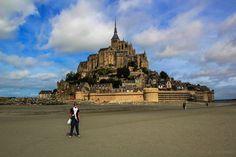 Mont Saint Michel en Normandía Mont Saint Michel, Louvre, Building, Travel, France, Places To Visit, Viajes, Buildings, Destinations