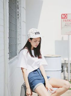Discover where to buy the best from Korean fashion (in the U.S.!) - The Klog: K-beauty, skin care, makeup, fashion, lifestyle, trends, and more. #streetstyle #fashion