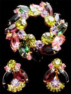 D E Juliana Peridot Green Amethyst Pink Set Rhinestone Brooch Earrings Vintage   eBay