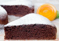 La torta cioccolato e arancia è una torta sofficissima, gustosa e nutriente, perfetta a colazione o a merenda. Questo accoppiamento è a dir poco golosissimo