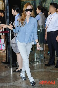 [130628] Jessica at Gimpo Airport Heading to Beijing China
