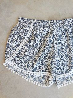 This post may contain affiliate links. . The free shorts pattern is for the Boudoir Shorts designed by Tara Miller and published in the Stitch Magazine. These modernwrapshorts feature a feminine curved slit in the frontand they can be embellished … Read More