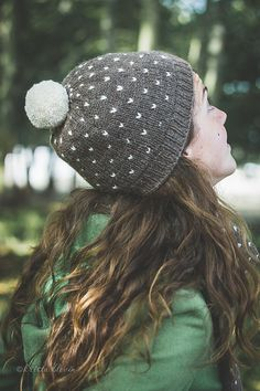Ravelry: Starlight Scarf and Hat pattern by Annie Rowden