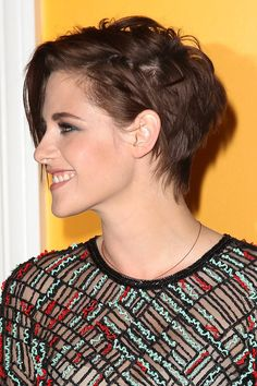 Kirsten Stewart is absolutely, stunningly beautiful. I like her short hair, but I think long hair suits her better.