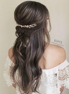 gorgeous half up half down wedding hairstyle #bridalfashion #weddinghairstyle #updohairstyle #bridalhairstyles #weddingideas #Gorgeousweddinghairstyles