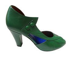 green leather vintage pumps