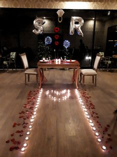 For you're amazing 'Just the way YOU are'; you deserve a night like this! With the monotonous life striking again tomorrow, how about… Romantic Dinner Setting, Romantic Night, Romantic Dinners, Romantic Table, Romantic Home Dates, Romantic Things, Romantic Gifts, Romantic Room Surprise, Romantic Surprises For Him