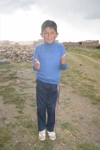 Even though he has been waiting 269 days for a sponsor, David from Bolivia is all smiles! He likes to play with marbles and he regularly attends Bible class. Let's end his wait for a sponsor today.