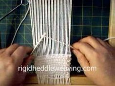 Knitting Patterns combine Pile Loop Terry Towel Cloth Weaving - Great for rugs too! Inkle Loom, Loom Weaving, Hand Weaving, Loom Knitting, Knitting Patterns, Weaving Wall Hanging, Peg Loom, String Crafts, How To Make Rope