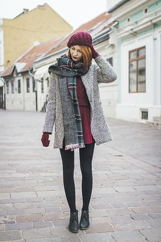 Get this look: http://lb.nu/look/7936818 More looks by Dominika C: http://lb.nu/thedominica Items in this look: Oasap Beret, Sheinside Coat, Sheinside Scarf, Sheinside Sweater, Oasap Skirt #classic #elegant #vintage
