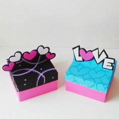 Cajas de regalos Valentine's Day Crafts For Kids, Mothers Day Crafts, Valentine Day Crafts, Pop Up Box Cards, Sweet Box, Diy Gift Box, Foam Crafts, Gift Wrapping Paper, Diy Cards