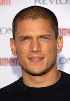 Actor Wentworth Miller arrives at Entertainment Weekly's Annual Emmy Awards Michael Scofield, Celebrity Haircuts, Celebrity Dads, Hot Actors, Actors & Actresses, Wentworth Miller Prison Break, Leonard Snart, Dominic Purcell, Samheughan